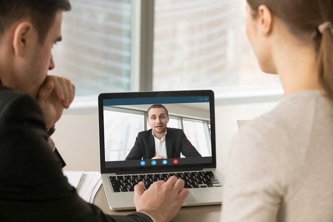 איך לראיין וירטואלית מועמד?